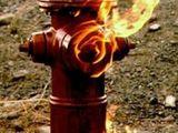 Brenender Hydrant