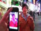 Nerd hackt den Times Square