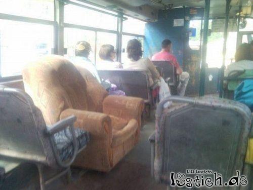 Erste Klasse im Bus
