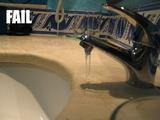 Schlecht platzierter Wasserhahn