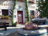 Bierbrunnen vor Brauerei